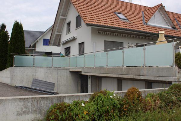 Glas-Metall Geländer, Aspi
